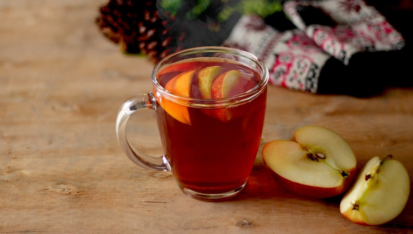 Winter Apple Pimms Cocktail Recipe