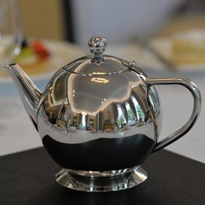 Elia Teapot with Infuser 28oz / 800ml