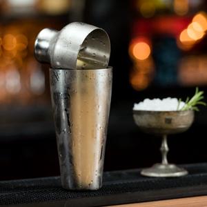 Mezclar Art Deco Cocktail Shaker 19.25oz / 550ml