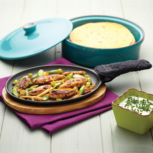 World of Flavours Mexican Cast Iron Fajita Sizzler